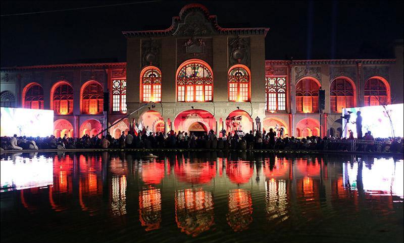 مراسم اختتامیه جشن خانه سینما با اجرای گروه دنگ شو