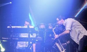 آخرین کنسرت تابستانه مازیار فلاحی در پایتخت برگزار شد